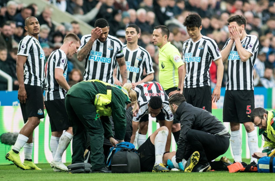 Newcastle 0-1 Crystal Palace: Big chance missed as stupid