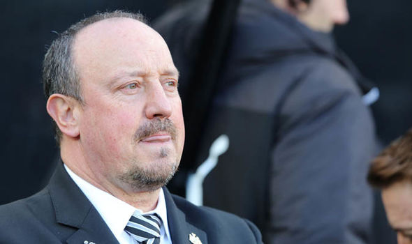 """e034eede11542 Benitez now has two big concerns ahead of """"massive"""" game with Huddersfield  – Report"""